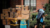 Amazon offers bonuses in aim to hire 150,0000 seasonal workers