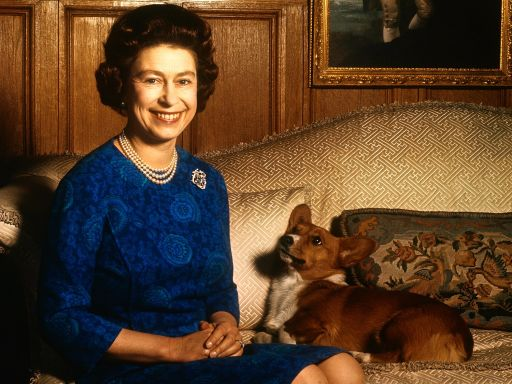 Queen Elizabeth's Dorgi Vulcan Dies Just Two Weeks After Death of William and Kate's Dog