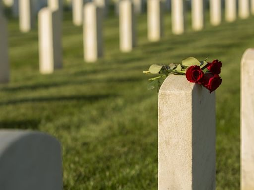 新冠疫情:美國死亡人數突破五十萬 五張圖解析「哀傷里程碑」