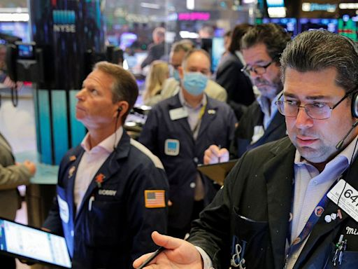 Dow, S&P 500 Edge Higher After Evergrande Payment Deadline Passes