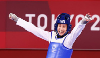 Olympics-Taekwondo-Teenagers cause upsets on first day of Tokyo tournament