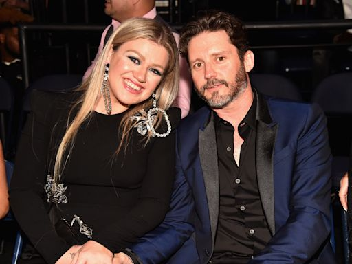 Kelly Clarkson calls divorce from Brandon Blackstock 'horrible': 'There are so many hard parts'