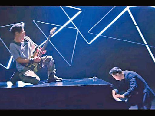 武林高手比併樂器 霆鋒出動200萬鋼琴 邀子丹拍MV - 東方日報