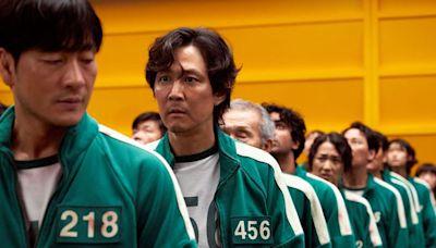 Netflix《魷魚遊戲》大熱!47歲李政宰大玩死亡遊戲、真人和集團千金相戀12年超專一