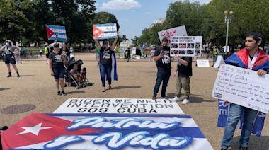 鐵腕統治下古巴人示威反抗 可謂驚天動地(圖) - 東方 - 時評