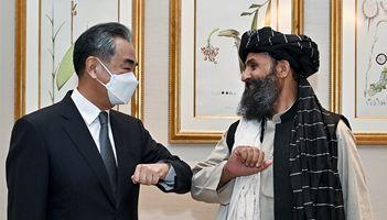 王毅晤巴拉達爾 促塔利班打擊「東伊運」等恐怖組織