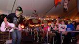 Caleb Kennedy draws big crowd in Boiling Springs, plays first gig since American Idol exit