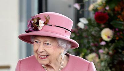 """""""Eres tan viejo como te sientes"""": La Reina rechaza premio 'Oldie of the Year' con una brillante carta"""