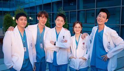 機智醫生生活2 5人幫全員脫單完美收官再刷自身最高收視