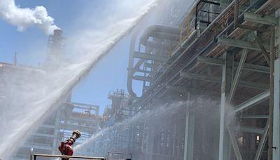 搶救畫面曝光!中油大林廠氫氣起火 勒令停工