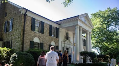 Graceland begins virtual tours: Here's how to tour Elvis' home without leaving your own