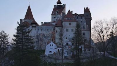 Dracula's Castle Gives Out Vaccinations Instead of Vampire Bites