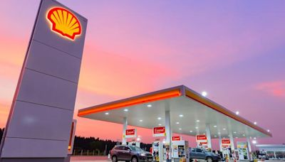 News From Shell & ExxonMobil Dominate Oil & Gas Stock Roundup