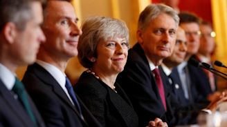 Brexit news latest: Theresa May grappling with open Cabinet warfare over deal or no deal