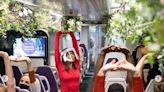減緩疫情焦慮感!英國推出「寧靜列車」 花草圍繞還可學瑜珈