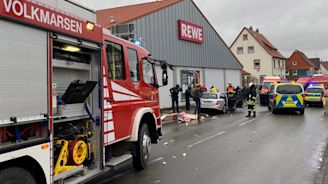 Multiple injuries after car drives into Carnival parade in Germany