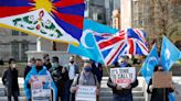 英國認定維吾爾人遭「種族滅絕」 呼籲強生對中採強硬態度