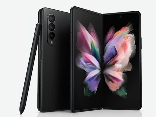 三星 Galaxy Z Fold 3 保護套配件可提供 S Pen 收納 讓手機更像隨身筆記本 - Cool3c