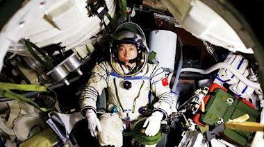 重溫楊利偉首飛前珍貴影像!楊利偉當年在太空中聽到敲窗聲