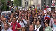 Thousands protest coronavirus measures in Berlin