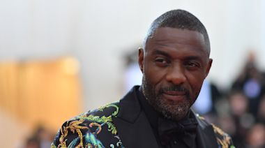 Idris Elba rushes to the aid of theatre-goer having seizure at his new play