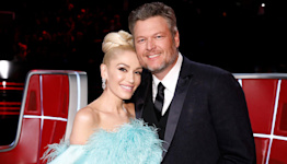 Blake Shelton Blows a Kiss to Onscreen Gwen Stefani During Solo Rendition of Their Song 'Nobody But You'