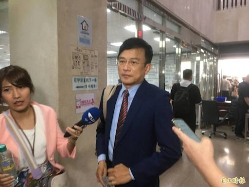 涉誹謗蔡英文學位案開庭 彭文正與律師拒絕出庭