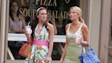 新版《Gossip Girl》片場照片曝光,終於可以看到新演員的時尚造型了!
