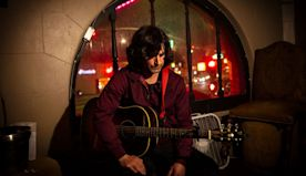 Pete Yorn's new music video is 'out-of-this-world!' (Exclusive premiere)