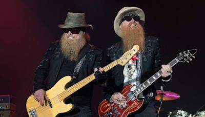 """Watch ZZ Top Perform 'Gimme All Your Lovin"""" at Dusty Hill's Last Concert"""