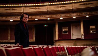 Raphael se mira en el espejo de Rafael Martos en el gran documental sobre su vida