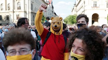 中國復旦大學前進歐洲惹議 匈牙利千人上街示威 | DQ 地球圖輯隊