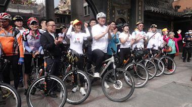 陳美鳳、單車女神同框林右昌 一起騎單車到淡水拜媽祖   蘋果新聞網   蘋果日報