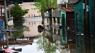 Migrants Flee Climate Change Ravaged Central America as Record-Breaking Hurricanes Hit