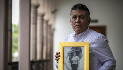 Mexico hunts for missing children of 'Dirty War'