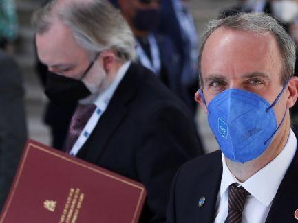 信報即時新聞 -- 英國促更多國家捐贈新冠疫苗
