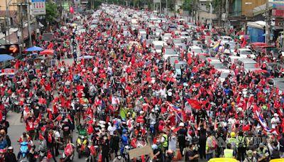 泰國軍方政變15週年 民眾上街高喊總理下台