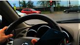 麻州行車禁持手機法案 重罰違規