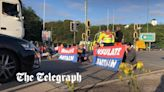 Who are the M25 protesters blocking the motorway?