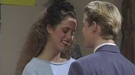Elizabeth Berkley revisits the infamous caffeine pill episode of 'Saved by the Bell'