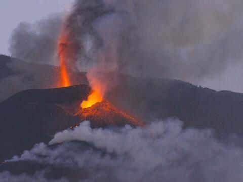 La Palma volcano eruption brings threats of volcanic ash, acid rain