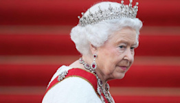 Can Anyone Convince Queen Elizabeth to Step Down? Probably Not