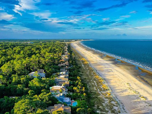 Lifeguard Attacked by Shark While on Duty on Hilton Head Island
