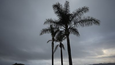 Drizzle teases L.A. after toasty weekend, and more moisture is on the way