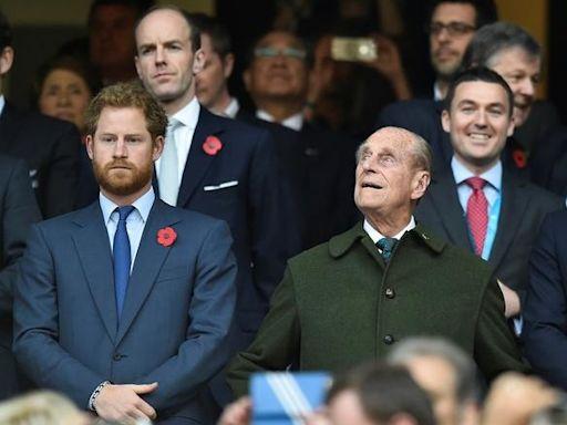 【菲臘親王喪禮】哈里威廉分開行 英女王獨坐 - 香港經濟日報 - 即時新聞頻道 - 國際形勢 - 環球社會熱點