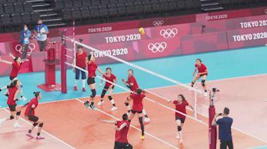 【直擊東奧】七人曾於上屆奪金 中國女排賽場首操 教練郎平稱仍需時適應