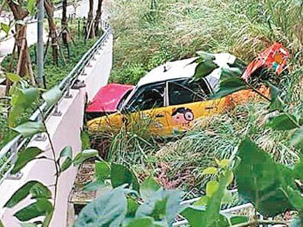 沙田石硤尾3宗的士車禍 釀4傷 - 東方日報