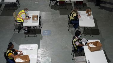 North Carolina scrambles to inform voters of absentee errors