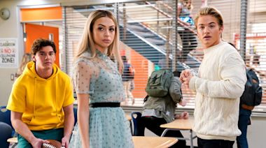 'Saved by the Bell': Josie Totah on playing Bayside's new 'it girl'