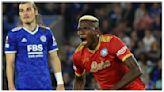Osimhen le birla dos puntos al Leicester y mantiene invicto al 'Napoli'